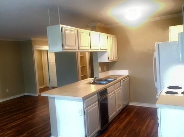 2 bed 2 bath Condo at 2505 Wedglea Dr Dallas, TX, 75211 is for sale at 144k - 1 of 5