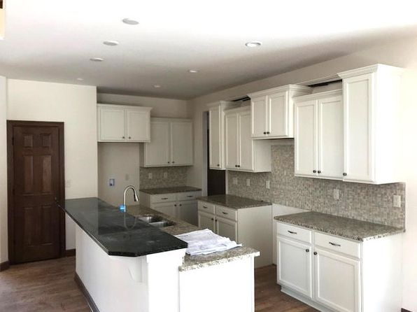 4 bed 3 bath Single Family at 109 Tumbler Ridge Way Plymouth, WI, 53073 is for sale at 470k - 1 of 21