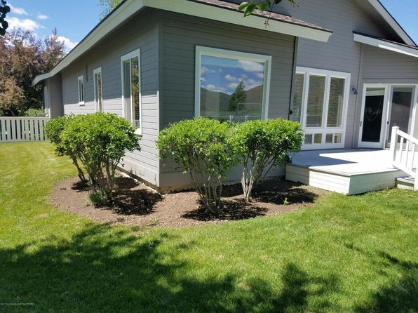 3 bed 2 bath Single Family at 650 BUCKHORN DR HAILEY, ID, 83333 is for sale at 439k - 1 of 25