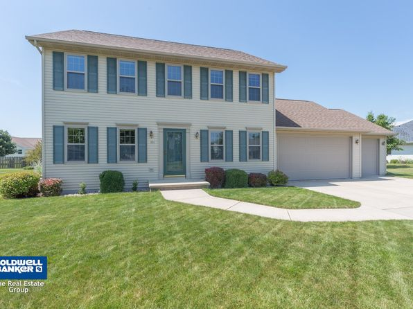 3 bed 3 bath Single Family at 810 Windsong Way De Pere, WI, 54115 is for sale at 245k - 1 of 34