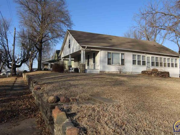 2 bed 1 bath Single Family at 812 Vermont Ave Holton, KS, 66436 is for sale at 77k - 1 of 16