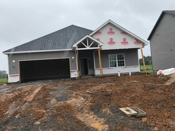 3 bed 2.5 bath Single Family at 3 Sycamore Clarksville, TN, 37042 is for sale at 215k - 1 of 6
