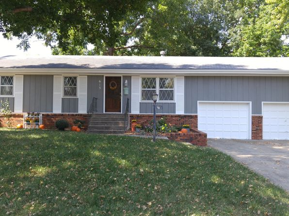 4 bed 2 bath Single Family at 615 S Grandview Ave Springfield, MO, 65802 is for sale at 150k - 1 of 29