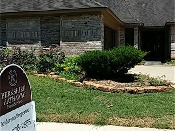 3 bed 2 bath Single Family at 1926 Mayweather Ln Richmond, TX, 77406 is for sale at 210k - 1 of 13