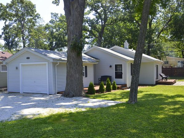 2 bed 1 bath Single Family at 33137 N Valley View Dr Grayslake, IL, 60030 is for sale at 128k - 1 of 13