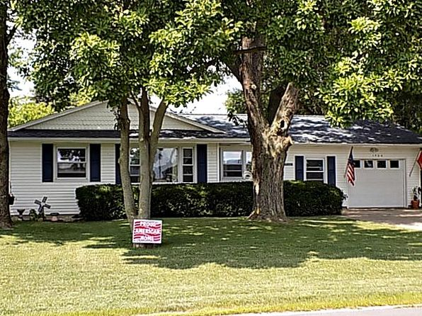 4 bed 3 bath Single Family at 1704 N Shabbona St Streator, IL, 61364 is for sale at 120k - 1 of 36