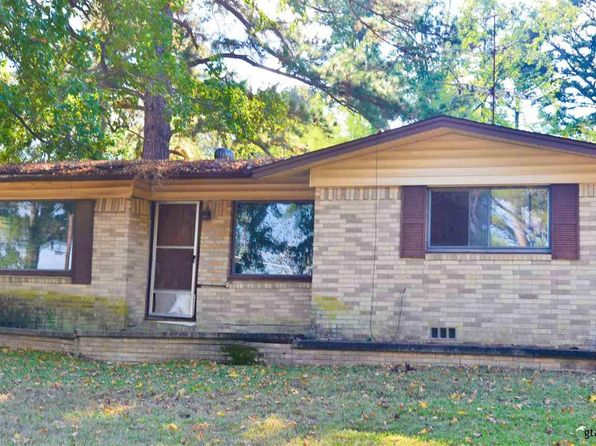 3 bed 1 bath Single Family at 1020 Bert St Daingerfield, TX, 75638 is for sale at 28k - 1 of 7