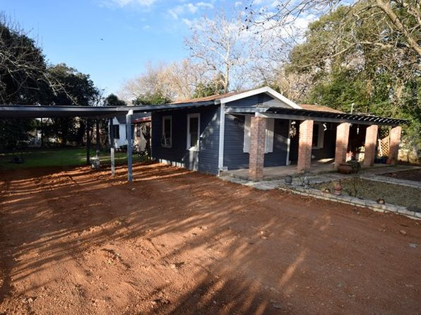 2 bed 2 bath Single Family at 209 Washington St Ingram, TX, 78025 is for sale at 110k - 1 of 38