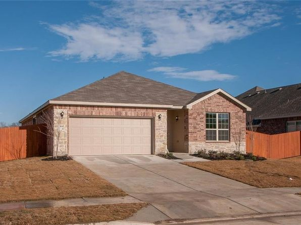 3 bed 2 bath Single Family at 3010 Cassinia Pkwy Heartland, TX, 75126 is for sale at 245k - 1 of 27