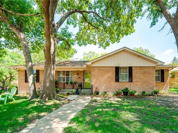 3 bed 2 bath Single Family at 8305 Londonderry Ln Dallas, TX, 75228 is for sale at 295k - 1 of 53
