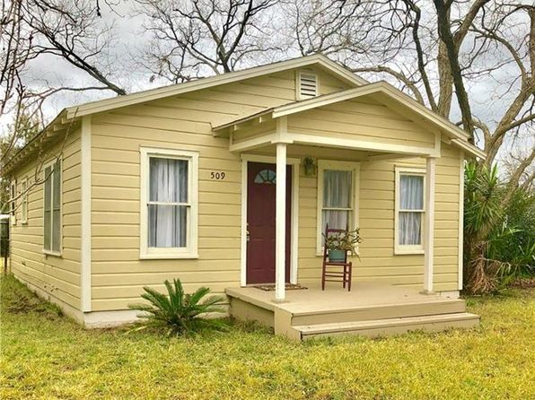 2 bed 1 bath Single Family at 509 Bruns St Seguin, TX, 78155 is for sale at 93k - 1 of 9