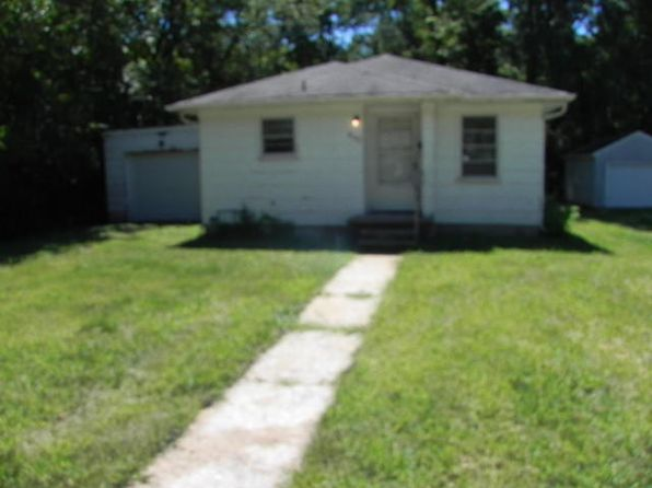 2 bed 1 bath Single Family at 802 YALE ST MEXICO, MO, 65265 is for sale at 23k - google static map