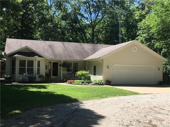 3 bed 3 bath Single Family at 11 Il Highway 140 Mulberry Grove, IL, 62262 is for sale at 265k - 1 of 28