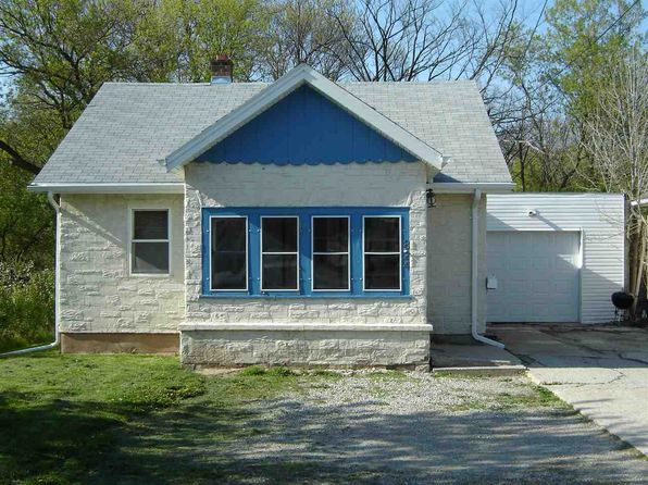 3 bed 1 bath Single Family at 824 W Grove St Appleton, WI, 54915 is for sale at 64k - 1 of 10