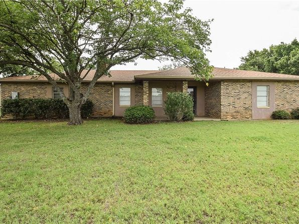 3 bed 2 bath Single Family at 4715 Dick Price Rd Fort Worth, TX, 76140 is for sale at 250k - 1 of 36