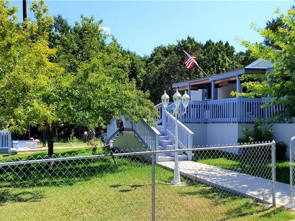 3 bed 2 bath Mobile / Manufactured at 1058 Roadrunner Ln Canyon Lake, TX, 78133 is for sale at 118k - 1 of 27
