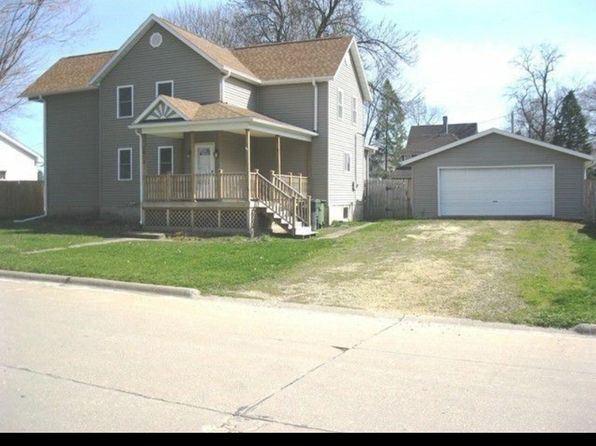 3 bed 2 bath Single Family at 1815 9th Ave S Clinton, IA, 52732 is for sale at 95k - 1 of 16