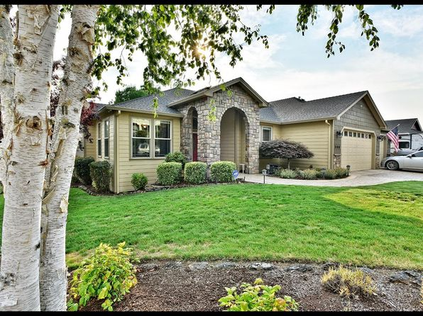 4 bed 3 bath Single Family at 596 Old Waverly Way Eagle Point, OR, 97524 is for sale at 379k - 1 of 22