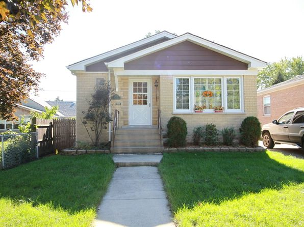 3 bed 2 bath Single Family at 2713 W 98th St Evergreen Park, IL, 60805 is for sale at 170k - 1 of 16