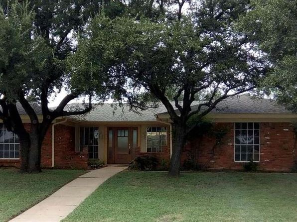 4 bed 3 bath Single Family at 1437 Cavender Dr Hurst, TX, 76053 is for sale at 275k - 1 of 7