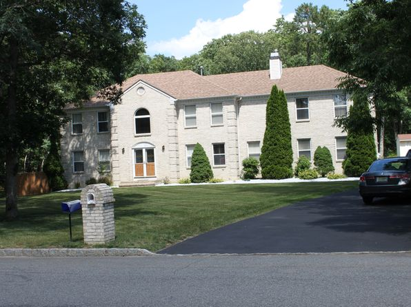 5 bed 3 bath Single Family at 19 Danielle Ct Jackson, NJ, 08527 is for sale at 590k - 1 of 17