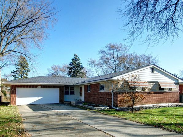 3 bed 2 bath Single Family at 613 S School St Mount Prospect, IL, 60056 is for sale at 325k - google static map