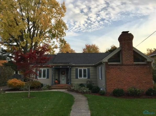 3 bed 2 bath Single Family at 813 Wallace Ave Bowling Green, OH, 43402 is for sale at 225k - 1 of 23