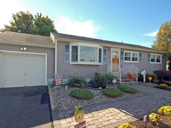 3 bed 2 bath Single Family at 120 Carol Pl South Plainfield, NJ, 07080 is for sale at 370k - 1 of 19
