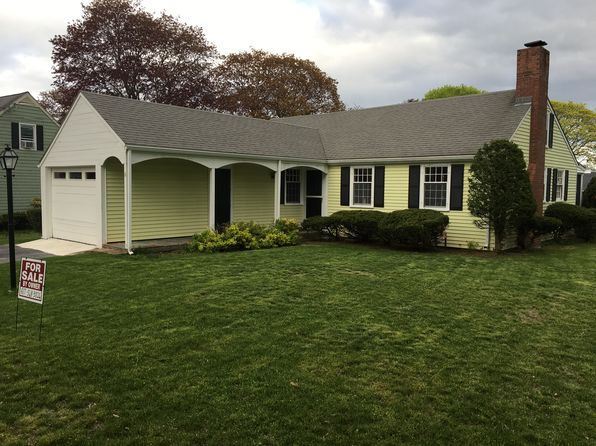 2 bed 1 bath Single Family at 6 Rand Rd Salem, MA, 01970 is for sale at 350k - google static map