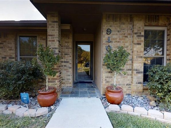 4 bed 2 bath Single Family at 910 Edgefield Trl Flower Mound, TX, 75028 is for sale at 240k - 1 of 30