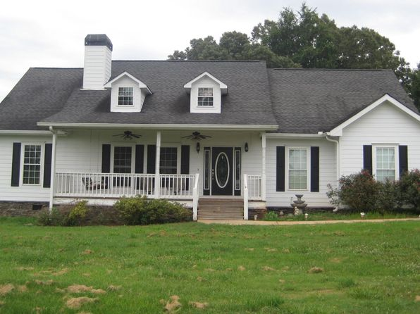 3 bed 2 bath Single Family at 2094 McFarlin Bridge Rd Carnesville, GA, 30521 is for sale at 225k - 1 of 12