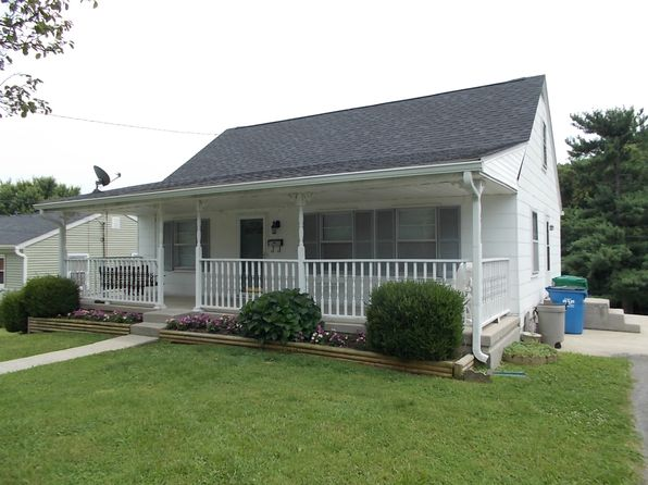 3 bed 1 bath Single Family at 836 Boyd Ave Danville, KY, 40422 is for sale at 110k - 1 of 7