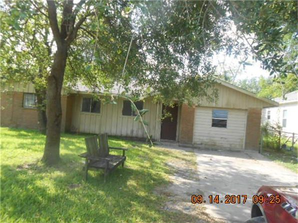 4 bed 2 bath Single Family at 105 Plum St La Marque, TX, 77568 is for sale at 35k - 1 of 11