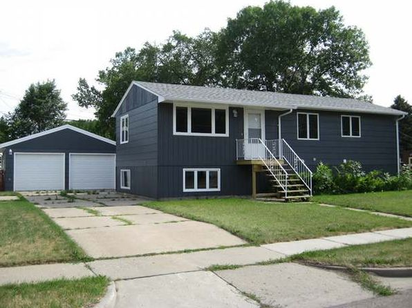 4 bed 2 bath Single Family at 415 E Capitol Ave Bismarck, ND, 58501 is for sale at 215k - 1 of 46
