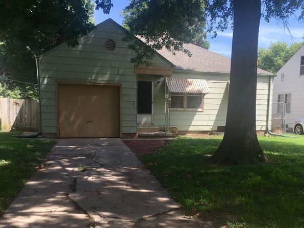 224 S Crestway St Wichita Ks 67218 Zillow