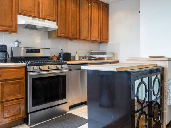 1 bed 1 bath Cooperative at 160 B.117 St 5l Rockaway Park, NY, 11694 is for sale at 157k - 1 of 5