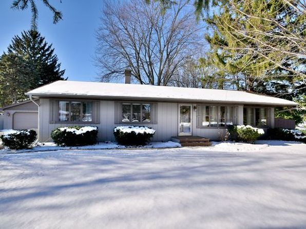 4 bed 4 bath Single Family at 112 S Circle Ave Bloomingdale, IL, 60108 is for sale at 390k - 1 of 33