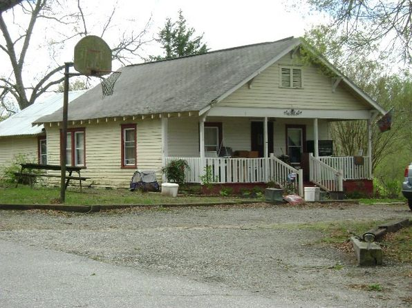 3 bed 1 bath Single Family at 305 Cantrell St Campobello, SC, 29322 is for sale at 50k - 1 of 7
