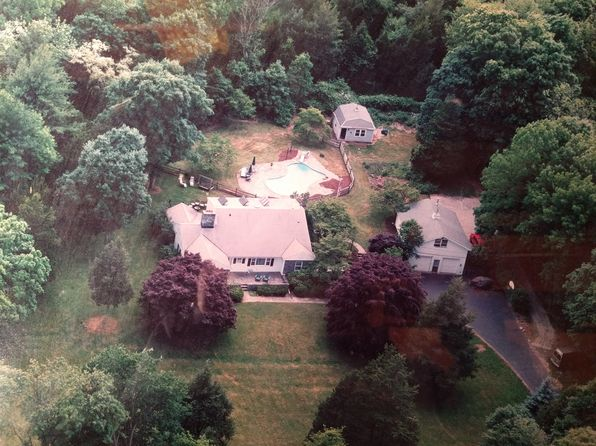 5 bed 4 bath Single Family at 112 Burr St Easton, CT, 06612 is for sale at 559k - 1 of 7