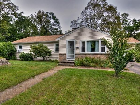 4 bed 2 bath Single Family at 25 Malcolm Rd North Kingstown, RI, 02852 is for sale at 340k - 1 of 24