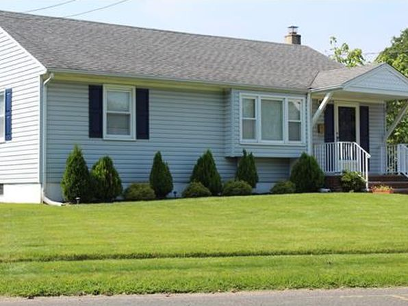 3 bed 1 bath Single Family at 111 Cumberland St South Plainfield, NJ, 07080 is for sale at 325k - 1 of 13