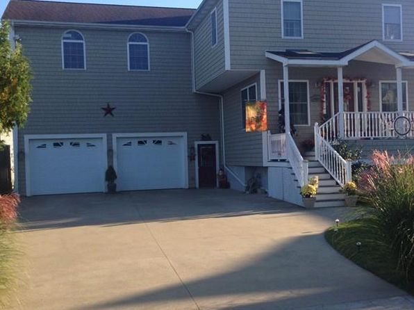 4 bed 4 bath Single Family at 112 Winterville Rd New Bedford, MA, 02740 is for sale at 395k - 1 of 29