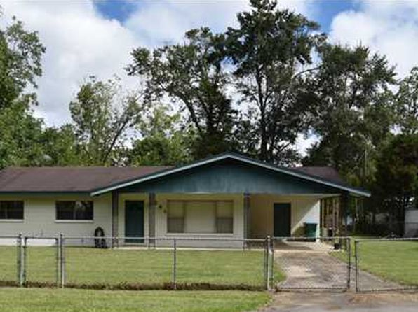 3 bed 2 bath Single Family at 161 HUNTER AVE WEWAHITCHKA, FL, 32465 is for sale at 110k - 1 of 7