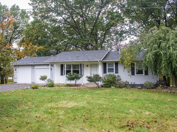 2 bed 3 bath Single Family at 15590 Portage Rd Vicksburg, MI, 49097 is for sale at 280k - 1 of 61