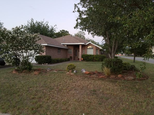 3 bed 2 bath Single Family at 1328 Austin St San Angelo, TX, 76903 is for sale at 200k - 1 of 16