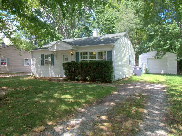 2 bed 1 bath Single Family at 1202 E Delaware Ave Urbana, IL, 61801 is for sale at 60k - 1 of 29