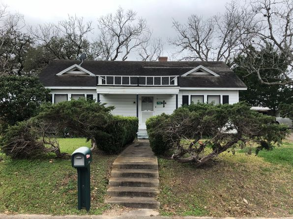 3 bed 2 bath Single Family at 750 N Jefferson St Goliad, TX, 77963 is for sale at 80k - 1 of 21
