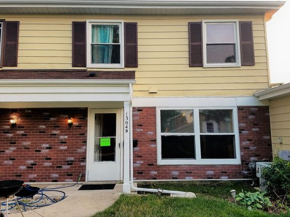 3 bed 2 bath Townhouse at 1304 Kingsbury Dr Hanover Park, IL, 60133 is for sale at 110k - 1 of 13