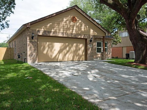 3 bed 2 bath Single Family at 11710 N Evelyn Cir Houston, TX, 77071 is for sale at 200k - 1 of 24