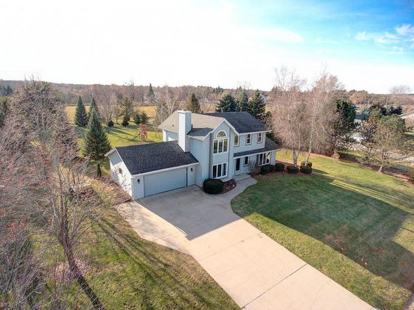 3 bed 3 bath Single Family at N74W28201 Trowbridge Trl Hartland, WI, 53029 is for sale at 349k - 1 of 25